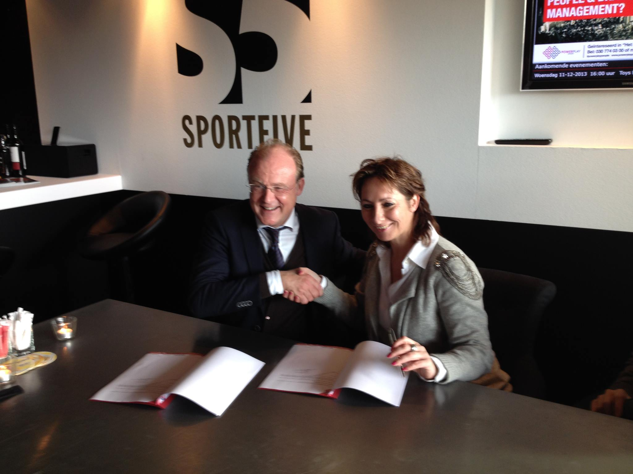 Sura Media Producties - Contract FC Utrecht, De Gouden Pitch.